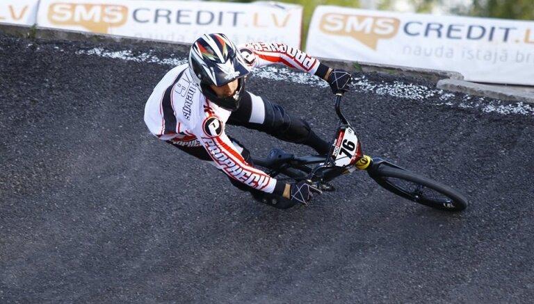 Babris 'Avotu' trasē uzvar Latvijas BMX čempionāta posmā