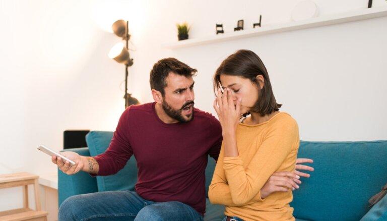 Покорность — признак настоящей женственности? О мифах несчастных отношений и золотом правиле, как обрести гармонию