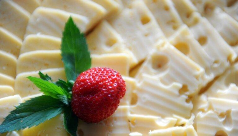 Tirgotāji: siera cenas šogad samazinājušās; alus cenas apmēram iepriekšējā gada līmenī