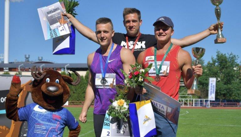 Štrobinders un Kociņa ar augstvērtīgiem rezultātiem uzvar 'Ventspils šķēpos'