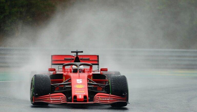 F-1 treniņos sausā trasē ātrākais Hamiltons, slapjā – Fetels
