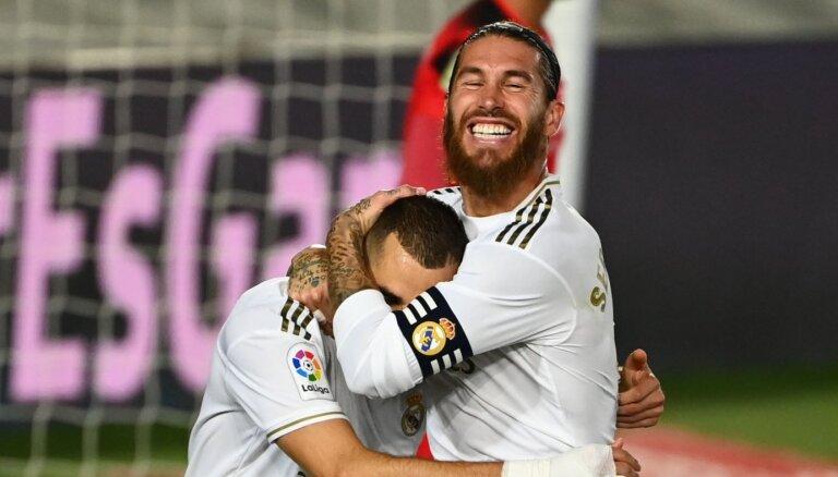 Madrides 'Real' atgūst Spānijas čempiontitulu