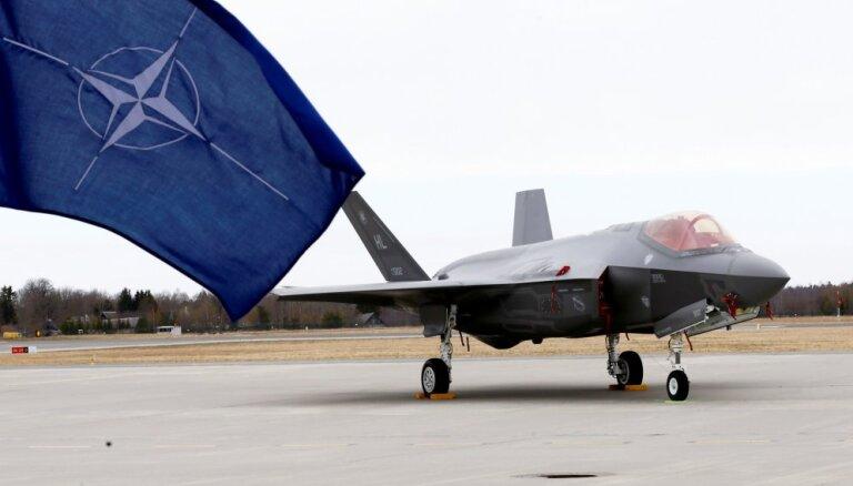 В воздушном пространстве Литвы — необычные учения с участием американских истребителей
