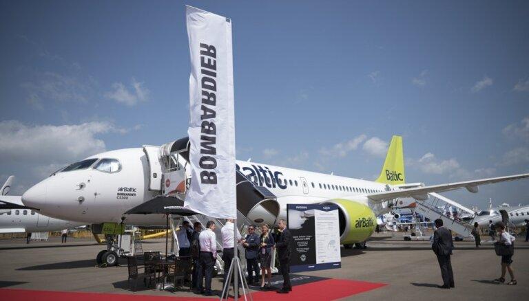 'airBaltic' Singapūras aviošovā prezentē CS300 lidmašīnu