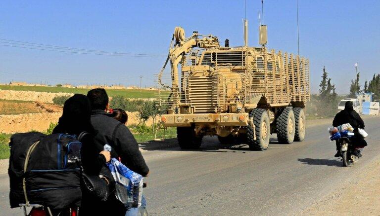 Turki pievienojas amerikāņiem patruļās kurdu kontrolētā reģionā