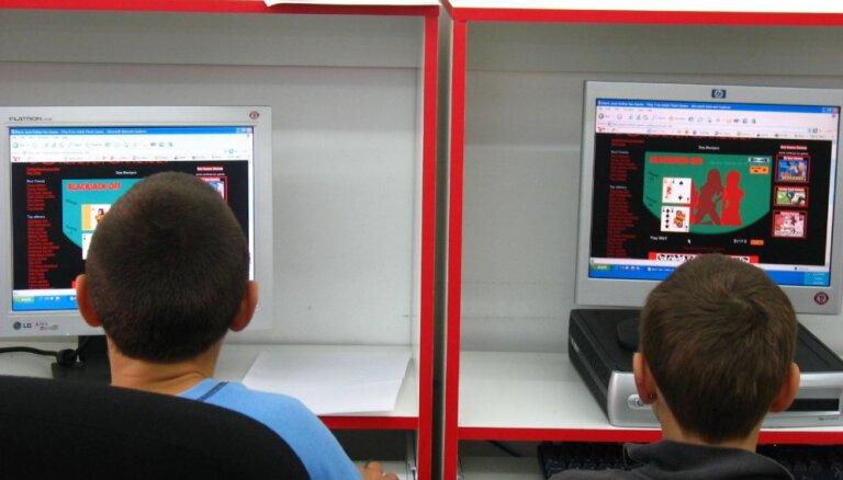 Radīta programma vecākiem, lai izsekotu bērniem interneta vides lietošanā