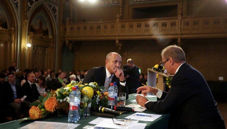 ЧСР призывает партнеров укреплять коалицию и обещает активнее сотрудничать с оппозицией