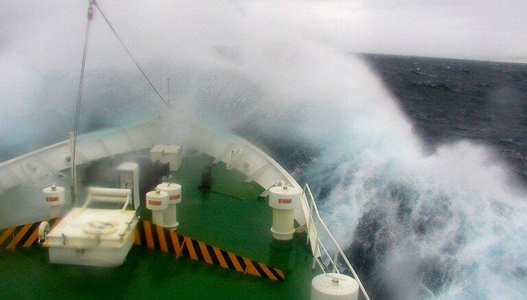 Из-за сильного шторма рейсы Tallink опаздывают с прибытием в порты