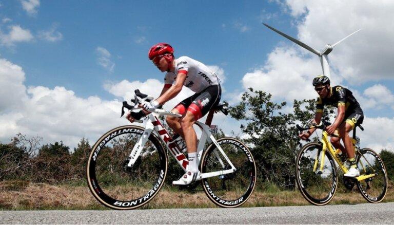 Skujiņš kļūst par 'Tour de France' kalnu karaļa kopvērtējuma līderi
