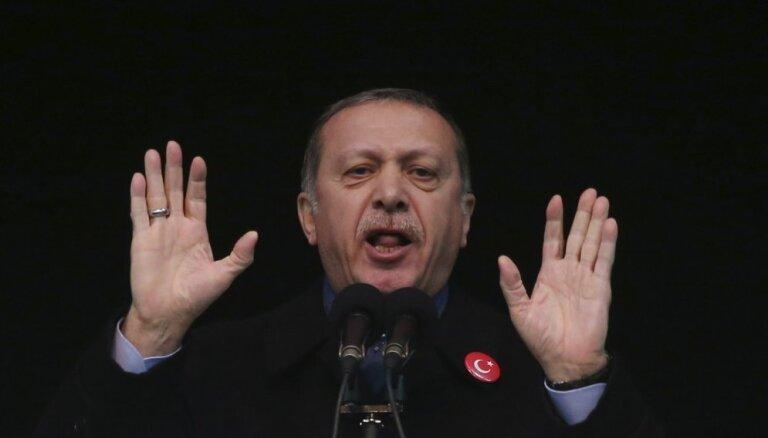 Эрдоган потерял сознание во время молитвы