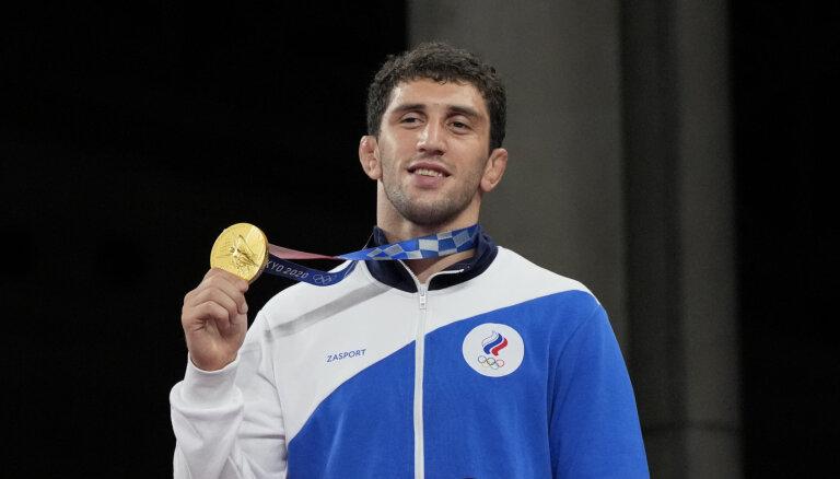 Медальный зачет Игр за 6 августа: борец Сидаков принес россиянам 17-е золото