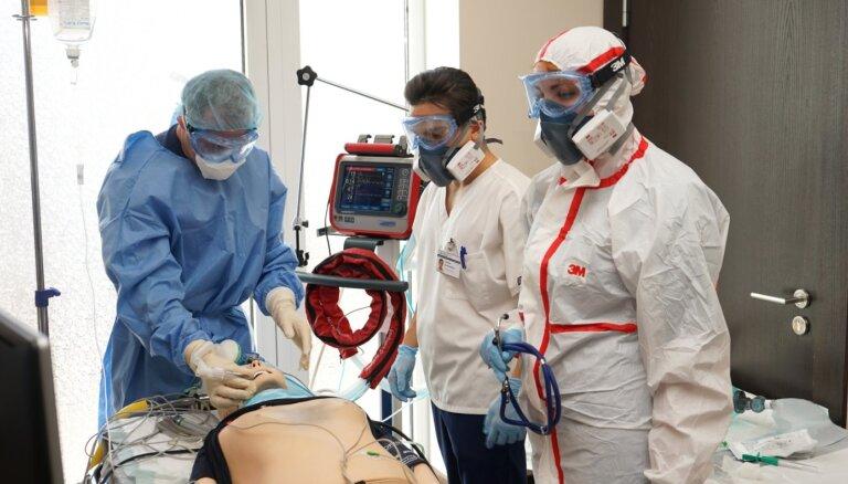 ФОТО: Восточная больница провела учения по работе с коронавирусными пациентами