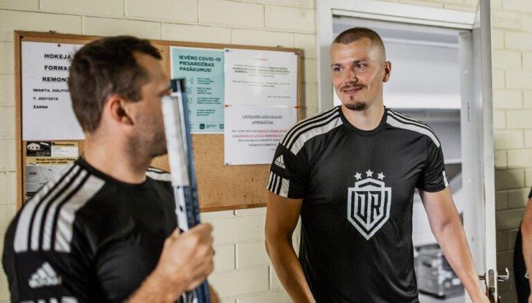 Video: Kapteinis Cibuļskis precīzs; Rīgas 'Dinamo' atkal gūst vienus vārtus