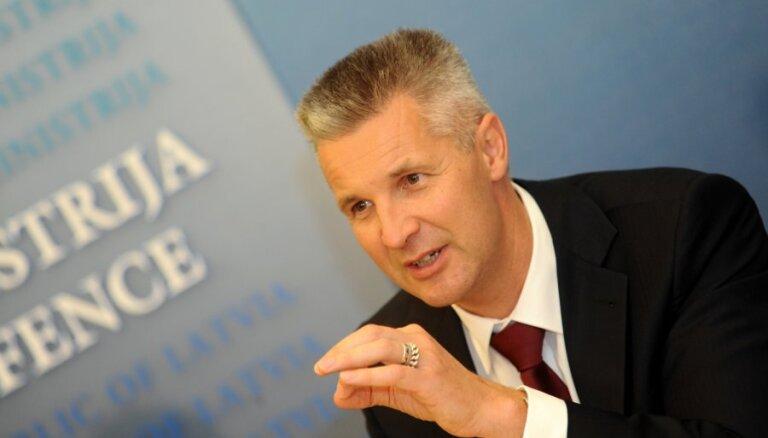 Pabriks nedomā, ka 'airBaltic' VIP kartes ministriem ir valsts naudas izšķērdēšana