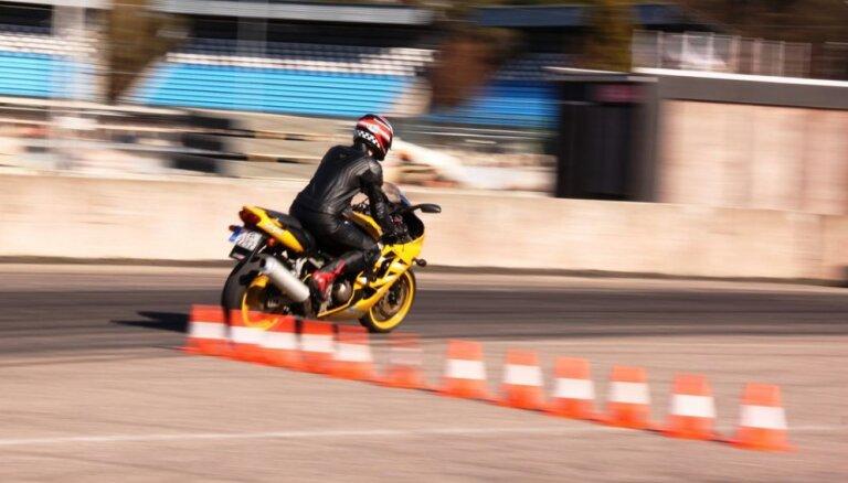 Jau ceturto gadu Biķernieku trasē notiks motociklistu drošas braukšanas bezmaksas apmācības