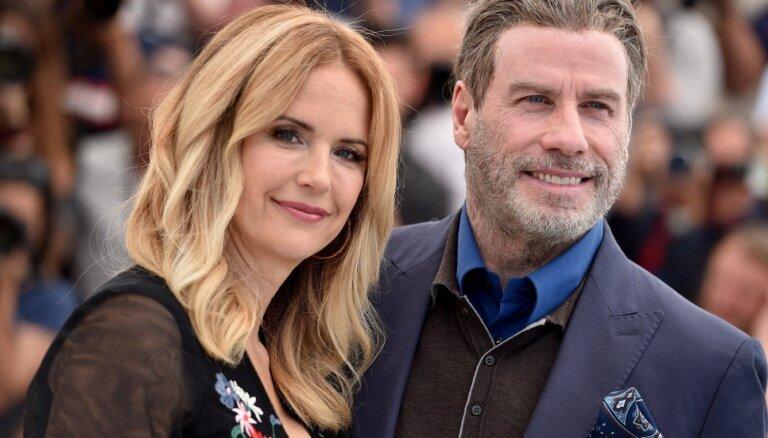 Pasaules zvaigznes pauž līdzjūtību Džonam Travoltam, sievu pāragri zaudējot