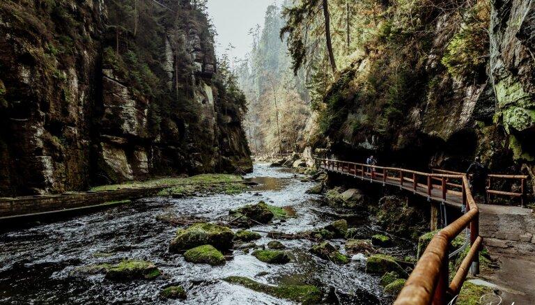 Praktisks ceļojuma stāsts: neliels, bet pasakains brauciens uz Bohēmijas Šveici