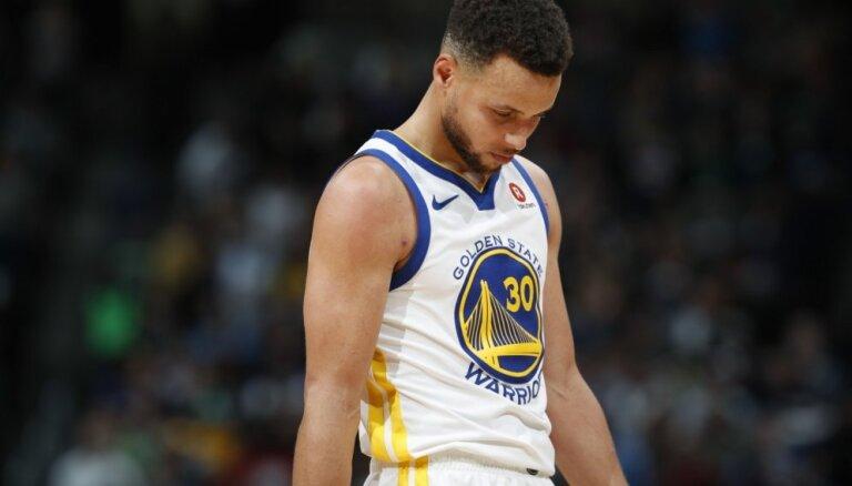 'Warriors' sezonu uzskata par noslēgušos, atzīst Kers