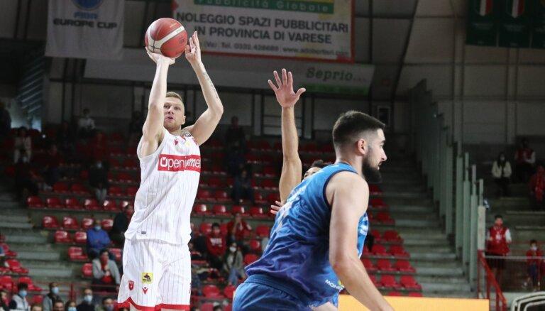 Jakovičs un Strautiņš kopā gūst 19 punktus zaudētā A sērijas spēlē