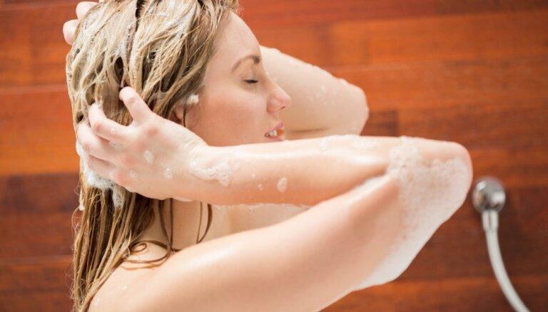 Plāni, taukaini vai biezi – cik bieži jāmazgā katra tipa mati