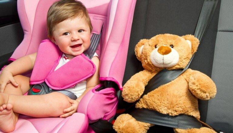 Kā izvēlēties auto krēsliņu mazulim?