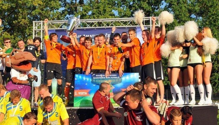 'Mītava open 2013' čempioni – komanda 'Garāža'