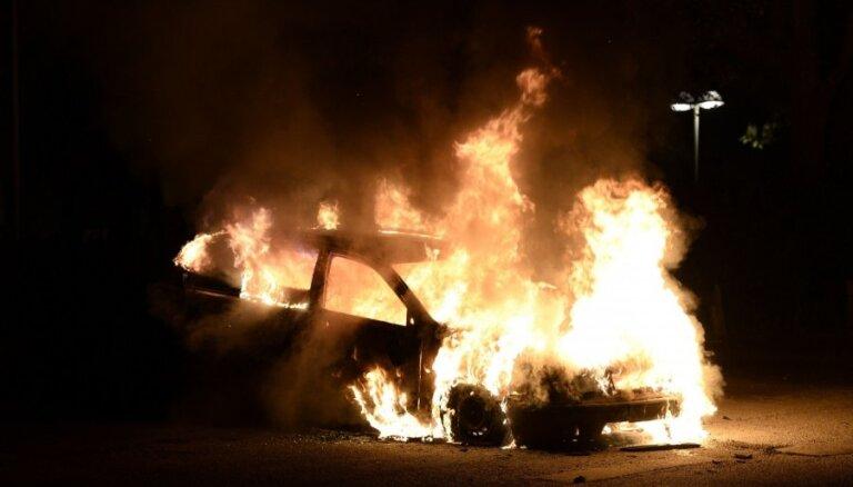 В Страсбурге в новогоднюю ночь сожгли 220 автомобилей