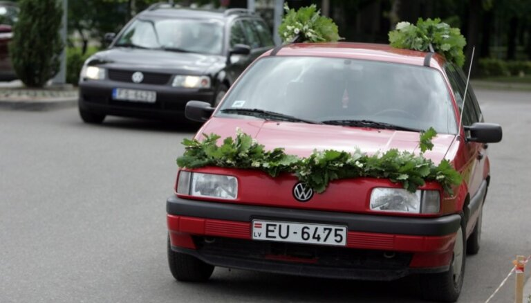 Astrologs iesaka šoferiem Līgo svētku laikā pie stūres būt īpaši uzmanīgiem