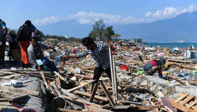 Ущерб от землетрясения в Индонезии оценили в $911 млн