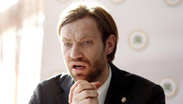 Gorkšs opozīcijas apvērsuma centienus saista ar nebijušām pārmaiņām Latvijas futbolā