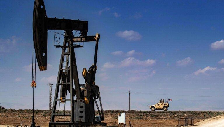Naftas cenas kāpj par spīti OPEC+ lēmumam turpināt palielināt ieguvi