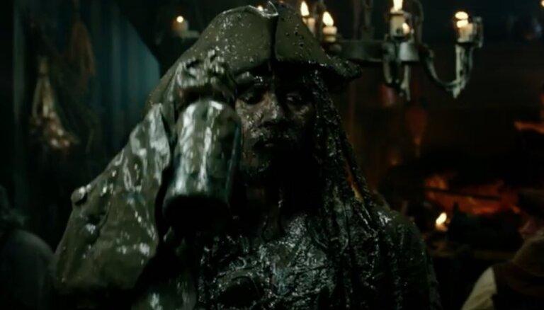 Video: Pirmie 'Karību jūras pirātu' kadri ar Depu