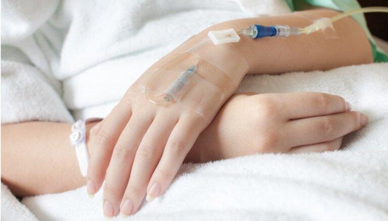 """Введение системы """"приоритетных пациентов"""" в больницах Латвии отложено"""