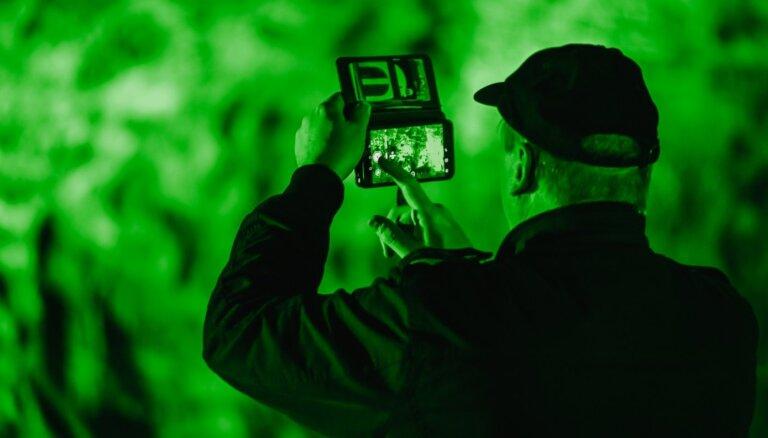 """ФОТО. Пещера Гутманя """"позеленела"""" в честь Дня святого Патрика"""