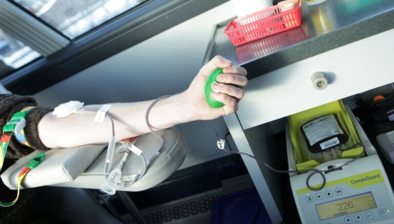 Asins donoriem turpmāk noteiks antivielas pret Covid-19 infekcijas izraisītāju