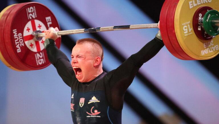 Suharevam 12. vieta pasaules čempionātā svarcelšanā
