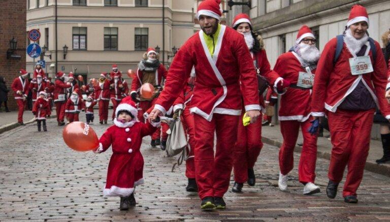 Ziemassvētku vecīšu labdarības skrējienā saziedoti vairāk nekā 13 000 eiro