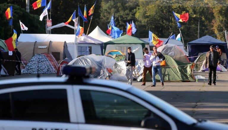 Moldovas galvaspilsētā demonstranti bloķē galveno ielu