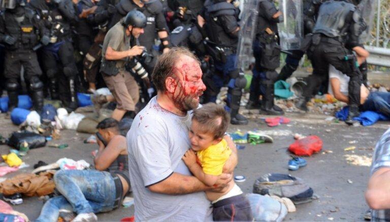 Совет Европы обвинил полицию Венгрии в жестоком обращении с мигрантами
