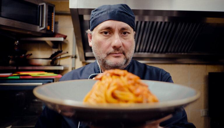 Pastas laulības ar mērci. Pavārs Rafaels iepazīstina ar īstenu Itālijas garšu
