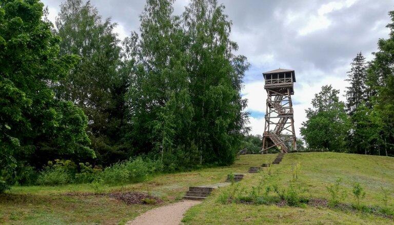 Foto: Brežģa kalna skatu tornis Vecpiebalgas novadā