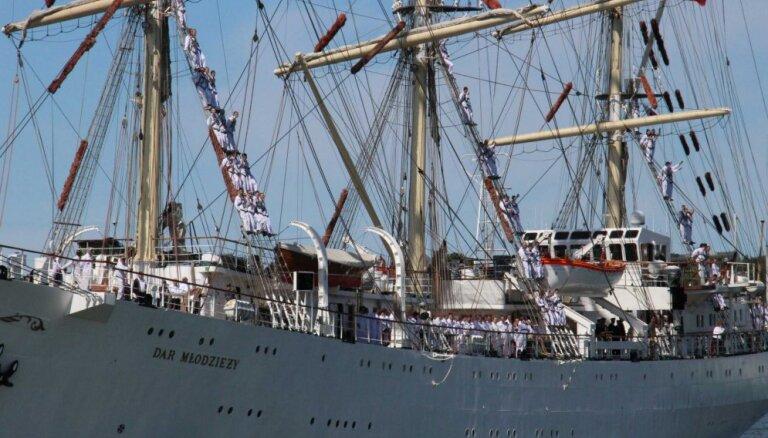 В Клайпеде пришвартовались парусники общей длиной – более 500 метров