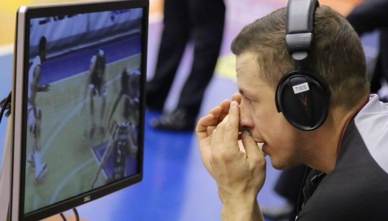 Nesportiskā vai parastā piezīme? Basketbola tiesneši sāk iniciatīvu un skaidro lēmumus