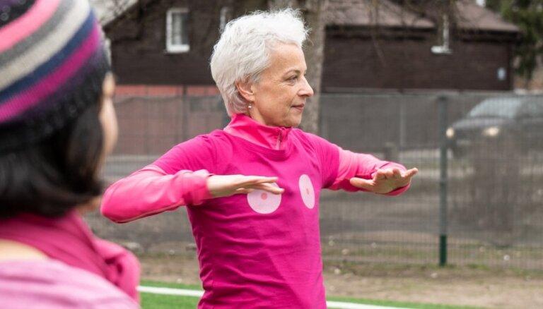 Kustība #pupkultūra aicina rūpēties par savām krūtīm un ziedot vēža pacienšu atbalstam