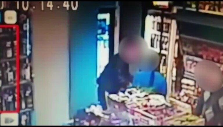 """Читатель: """"Полицейские не захотели выезжать в магазин, где произошла кража"""""""