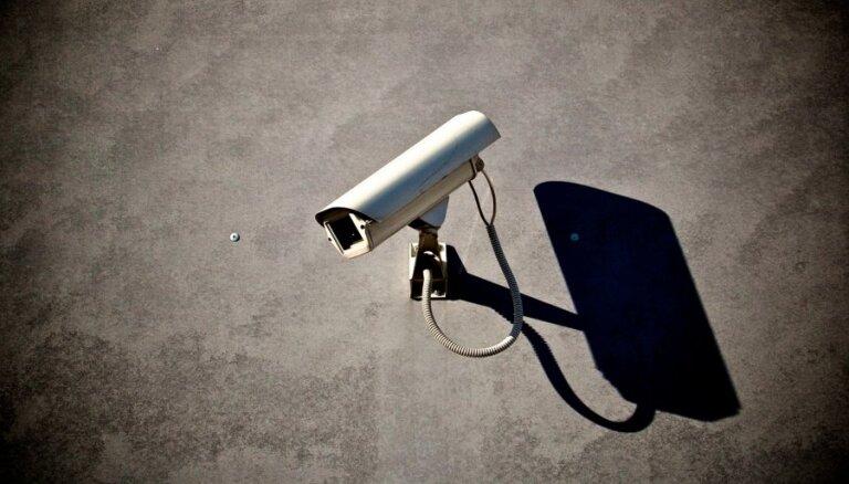 Rekonstruējot Ziedoņdārzu, parkā uzstādīs arī videonovērošanas kameras