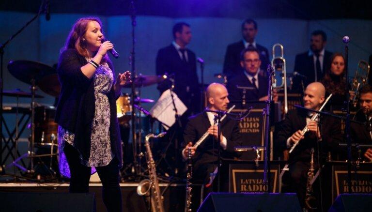 Dzintaru koncertzāles sezonas noslēguma koncertā izcili džeza solisti