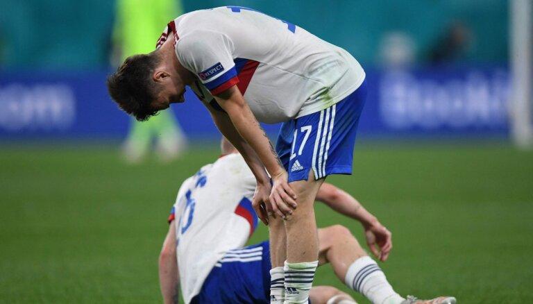 Эксперты критируют российских футболистов, а жена Семенова ответила хейтерам
