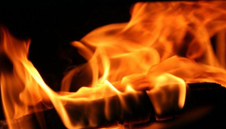 Svētdien ugunsgrēkā Tukuma novadā bojā gājis cilvēks