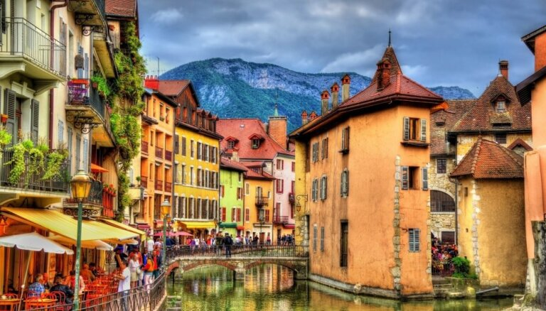 Deviņas fantastiskas kanālu pilsētas, ko salīdzina ar krāšņo Venēciju